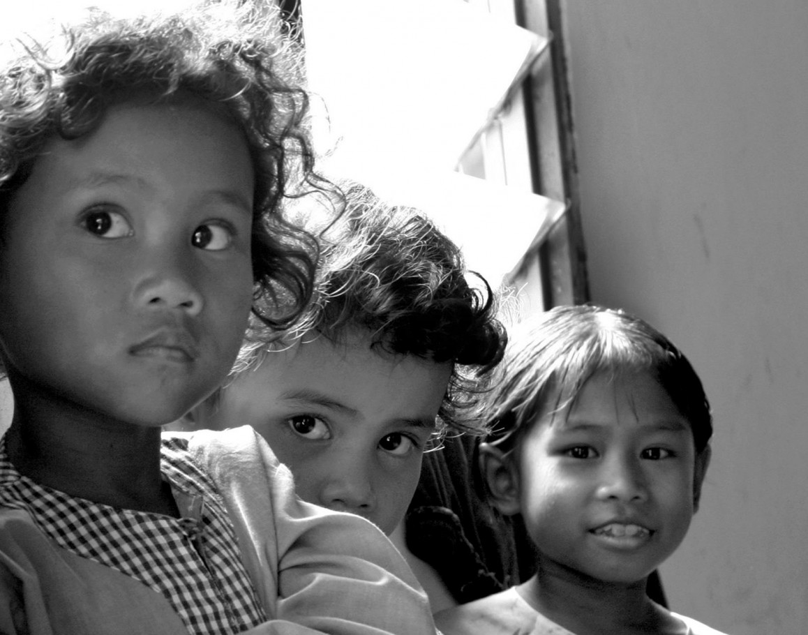Orang Asli girl trio