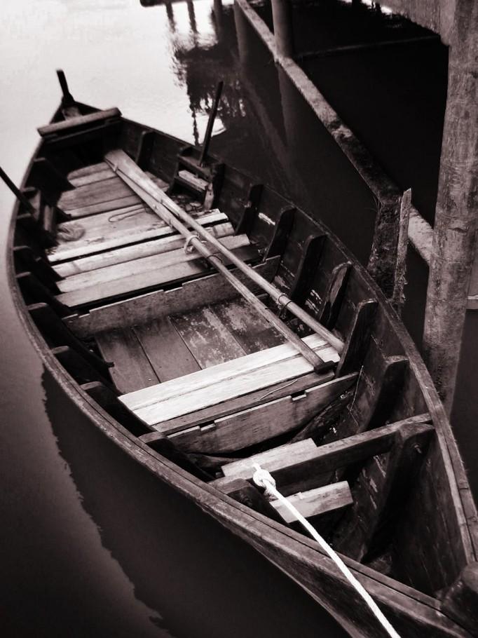 Old Rowing Boat, Kelip-Kelip, Malayisa