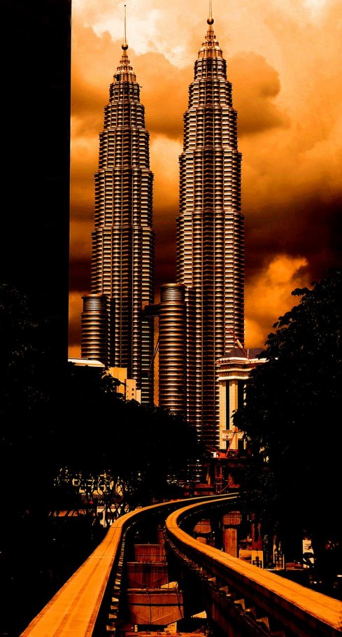 Psychodelic Twin Towers